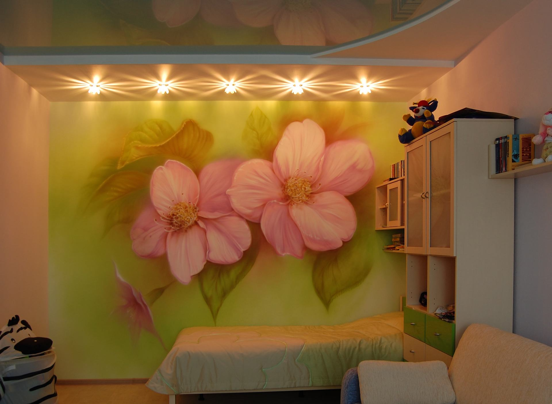 Рисунки на стенах в квартире гуашью